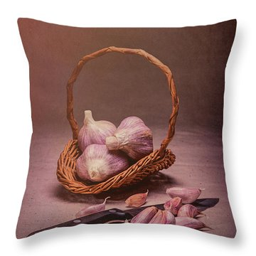 Basket Of Garlic Still Life Throw Pillow