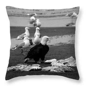 Be Hungry ...  Throw Pillow by Juergen Weiss