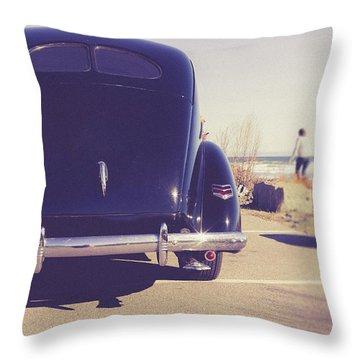 Throw Pillow featuring the photograph Beach Memories by Edward Fielding