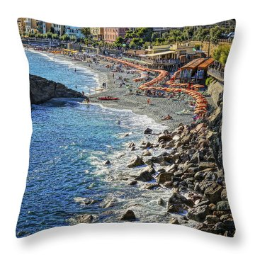 Beach Monterosso Italy Dsc02467 Throw Pillow