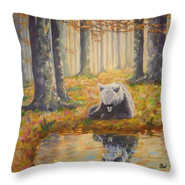 Bear Reflecting Throw Pillow