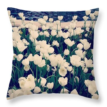 Beautiful! ❤ #flowers #flower Throw Pillow
