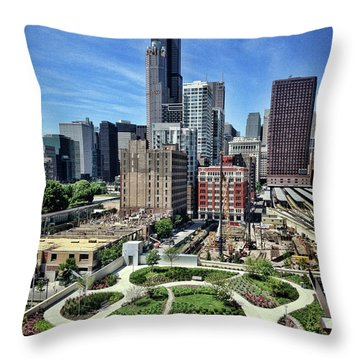 beautiful day and view of Chicago Throw Pillow