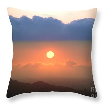 Beautiful Sunset With Low Clouds Throw Pillow