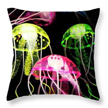 Aquariums Throw Pillows