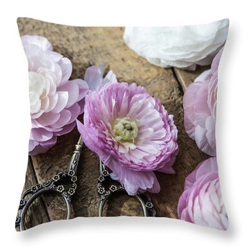 Throw Pillow featuring the photograph Beauty In Simplicity by Kim Hojnacki