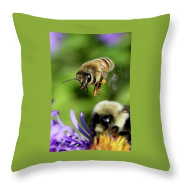 Bee In Flight  Throw Pillow