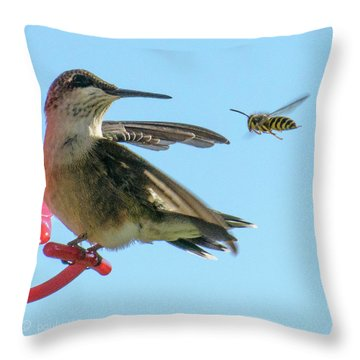 Bee_bird Throw Pillow
