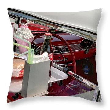 Bel Air 1956. Miami Throw Pillow
