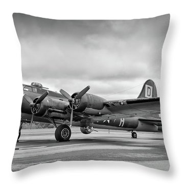 Belle On The Ramp Throw Pillow