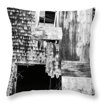 Benjamin Nye Homestead Throw Pillow