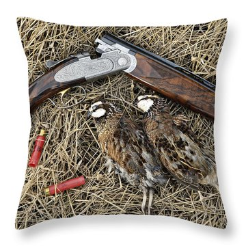 Beretta 28 Gauge - D005559 Throw Pillow