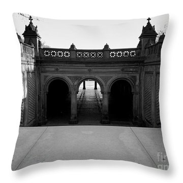 Bethesda Terrace In Central Park - Bw Throw Pillow