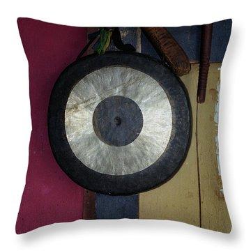Bhutan Banga-gong..... Throw Pillow