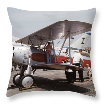 Bi-wing-3 Throw Pillow