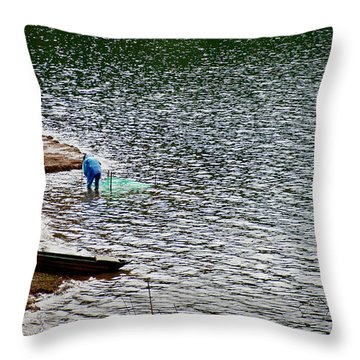Bien Ho, Gia Lai Throw Pillow
