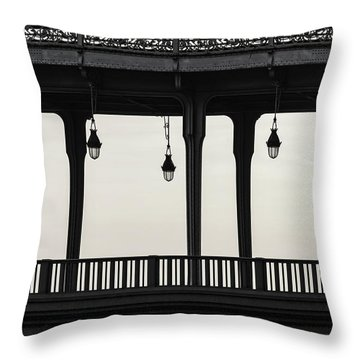 Bir Hakeim Throw Pillow