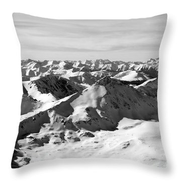 Black And White Of The Summit Of Mount Elbert Colorado In Winter Throw Pillow