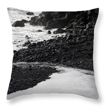 Black Lava Beach, Maui Throw Pillow