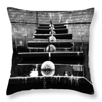 Blockage Throw Pillow