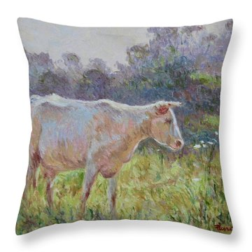 Blonde D'aquitaine Throw Pillow
