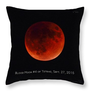 Blood Moon #4 Of Tetrad, Without Location Label Throw Pillow