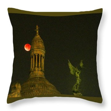 Blood Moon Eclipse At Sacre Coeur Paris  2015 Throw Pillow