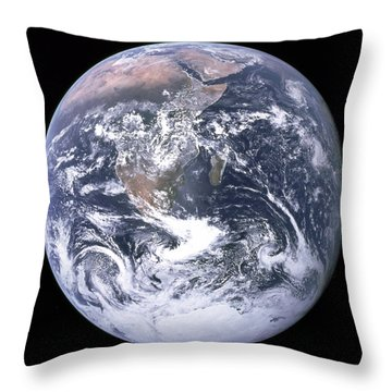 Blue Marble - Image Of The Earth From Apollo 17 Throw Pillow