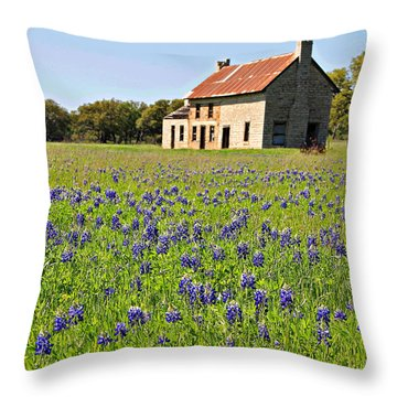 Bluebonnet Field Throw Pillow