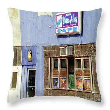 Blues Alley, Clarksdale Throw Pillow