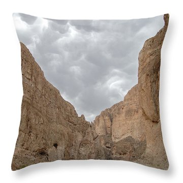 Boquillas Canyon And Scalloped Clouds Big Bend National Park Texas Throw Pillow