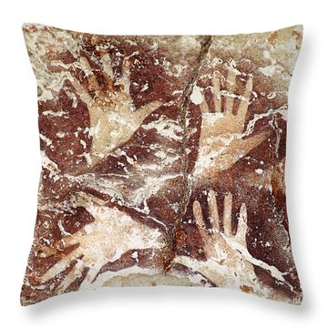 Bouquet Of Hands - Ilas Kenceng Throw Pillow