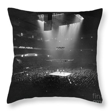 Boxing Match, 1941 - To License For Professional Use Visit Granger.com Throw Pillow