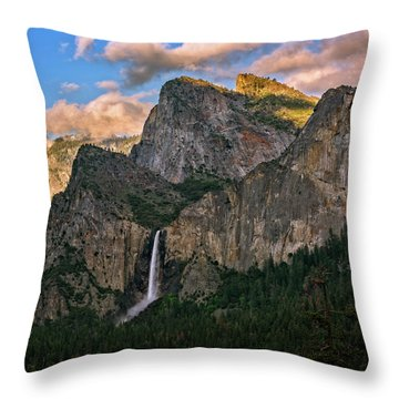 Bridalveil Falls From Tunnel View Throw Pillow