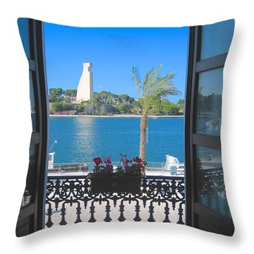 Brindisi Monumento Al Marinaio Throw Pillow