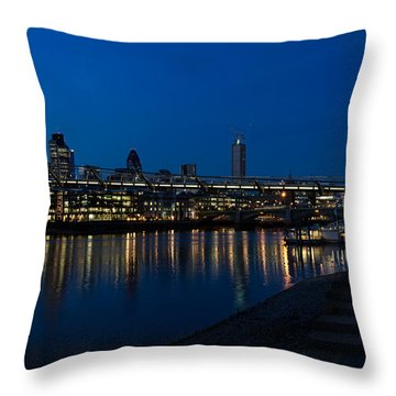British Symbols And Landmarks - Millennium Bridge And Thames River At Low Tide Throw Pillow