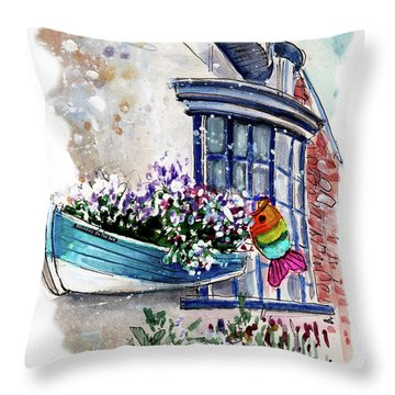 Broadies By The Sea In Staithes Throw Pillow