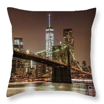 Brooklyn Bridge At Night Throw Pillow