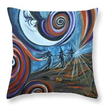 Bruja Luna Throw Pillow