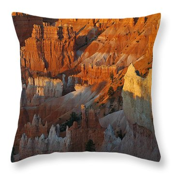 Bryce Canyon Morning Throw Pillow