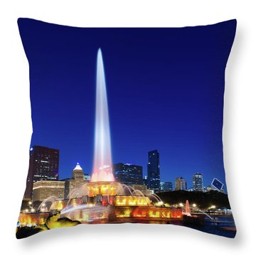 Throw Pillow featuring the photograph Buckingham Fountain by Sebastian Musial