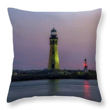 Throw Pillow featuring the photograph Buffalo Main Light by Mark Papke