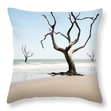 Bulls Island C-x Throw Pillow