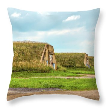 Bunkers Throw Pillow