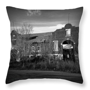 Bushong, Kansas Throw Pillow