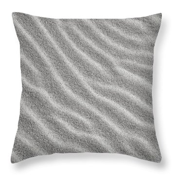 Bw6 Throw Pillow
