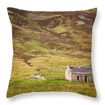 Cairngorms Cottage Throw Pillow