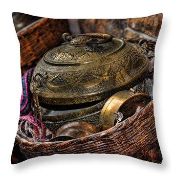 Camelback 8850 Throw Pillow