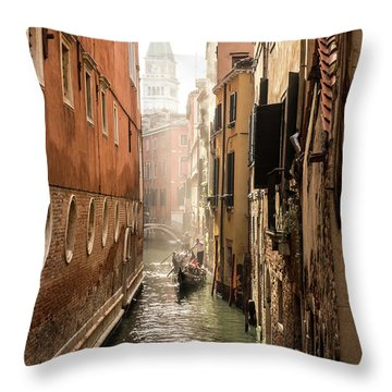 Canale Ponte De Lovo Throw Pillow