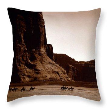 Canyon De Chelly 2c Navajo Throw Pillow